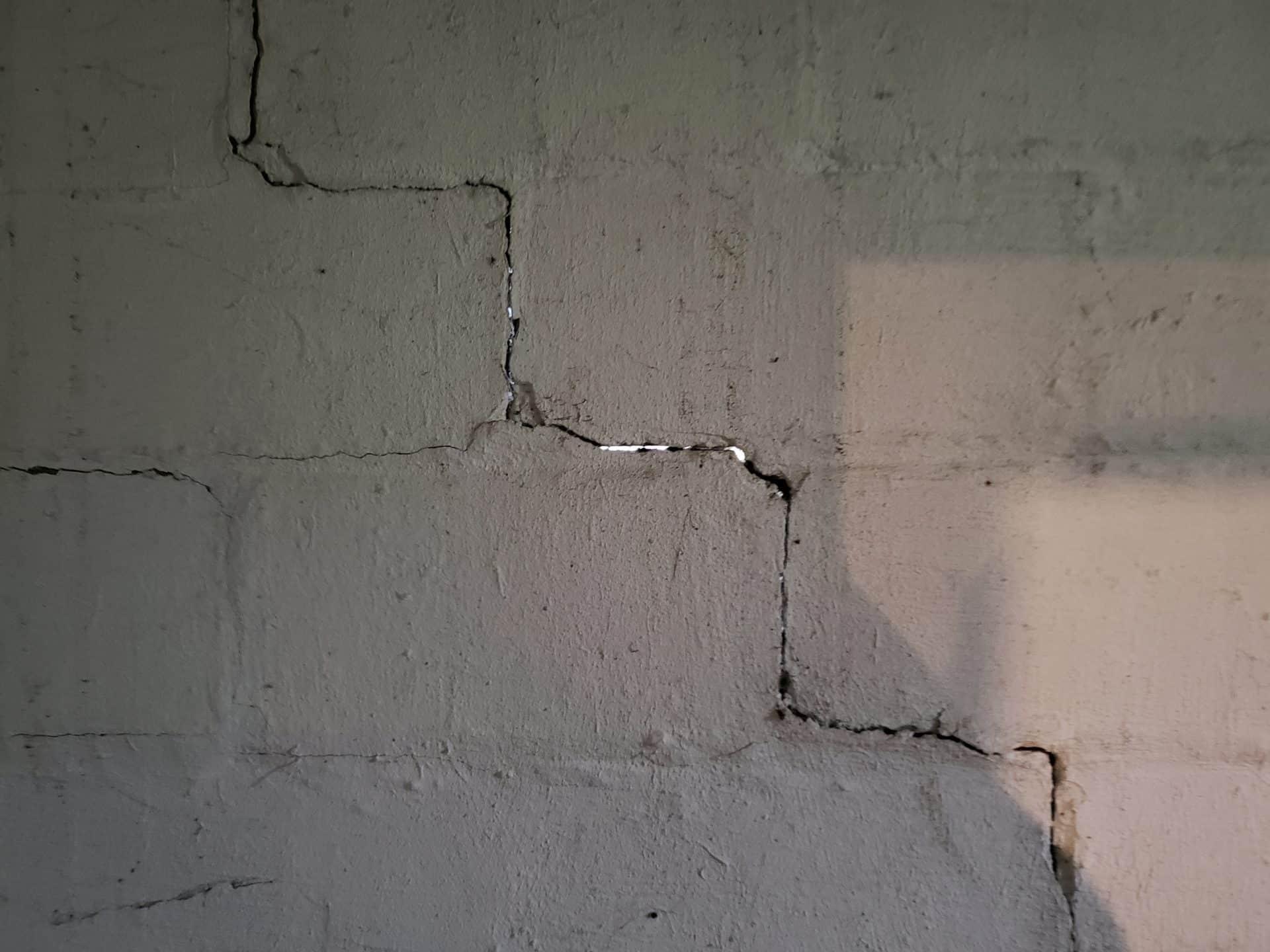wall-cracking
